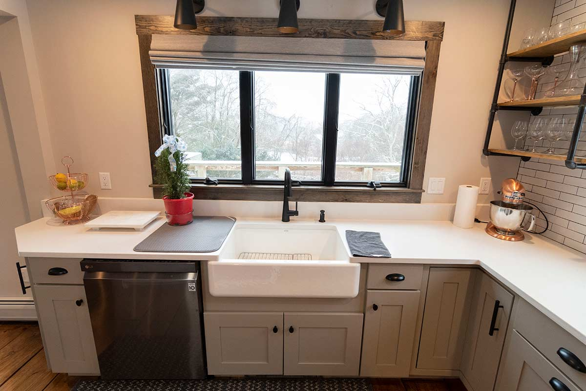 Contemp-farmhouse-sink