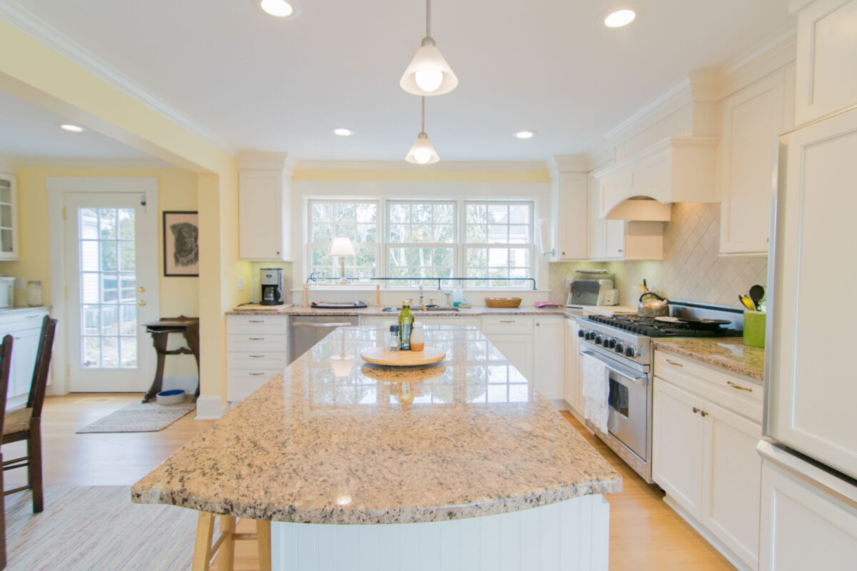 Traditional-kitchen-remodel-dartmouth-ma