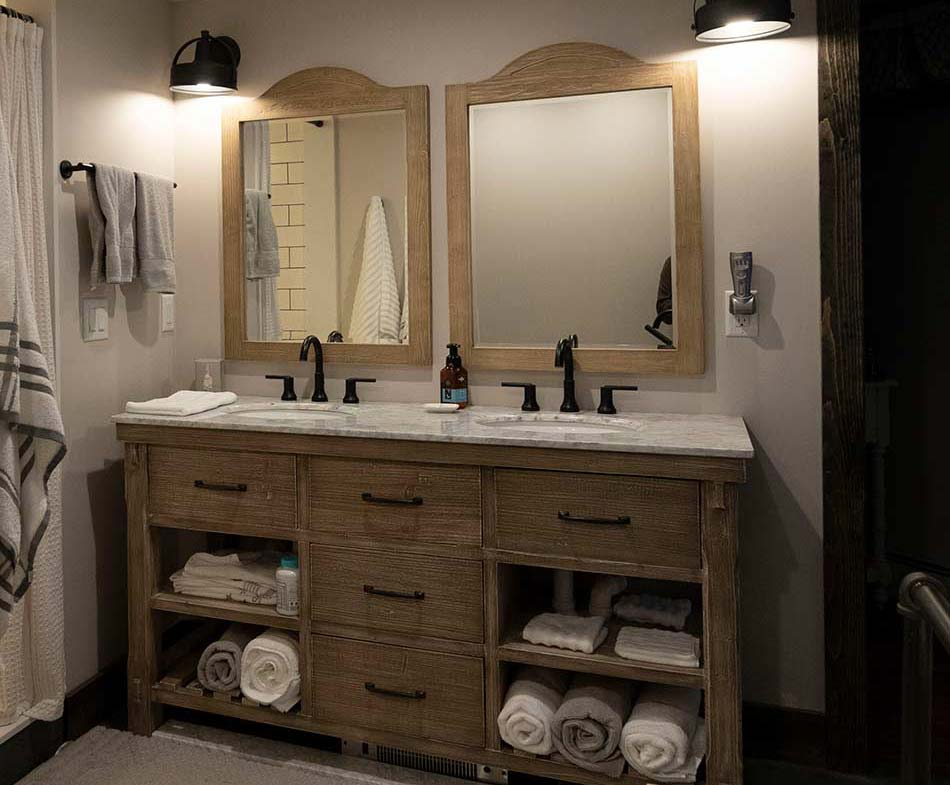 contemporary-farmhouse-bathroom3