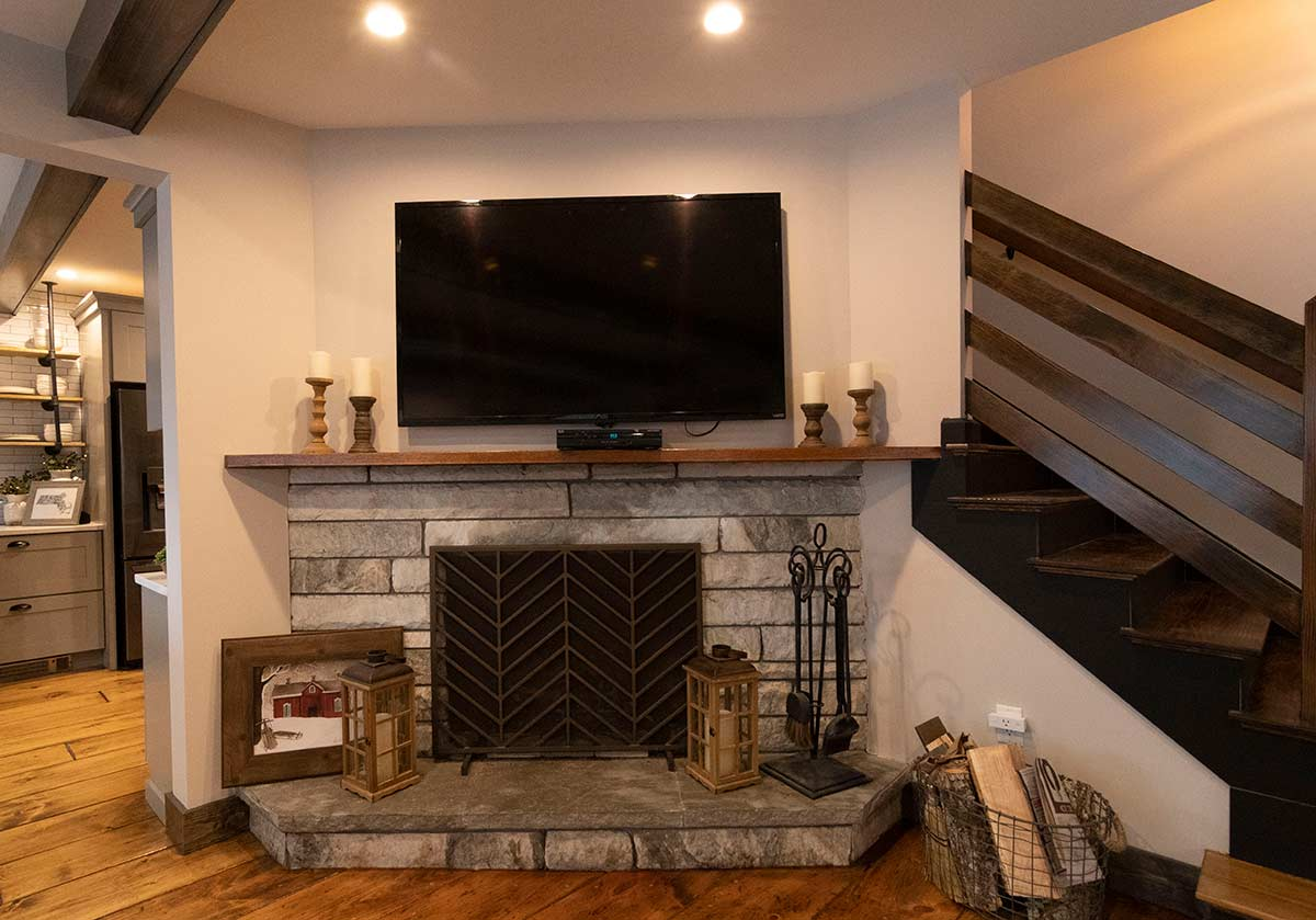contemporary-farmhouse-fireplace