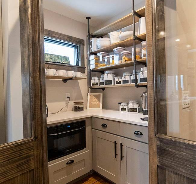 contemporary-farmhouse-pantry