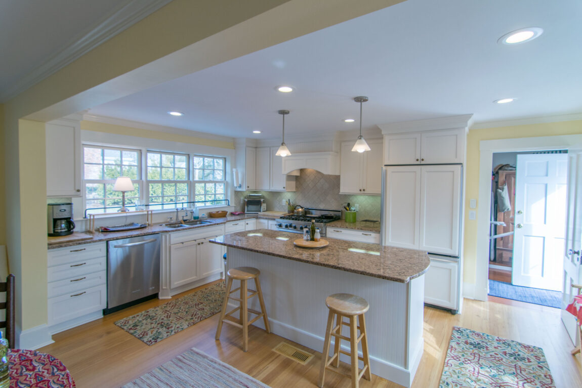 traditional-island-kitchen-open