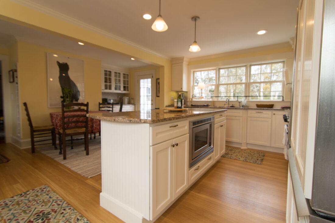 traditional-island-kitchen-open2