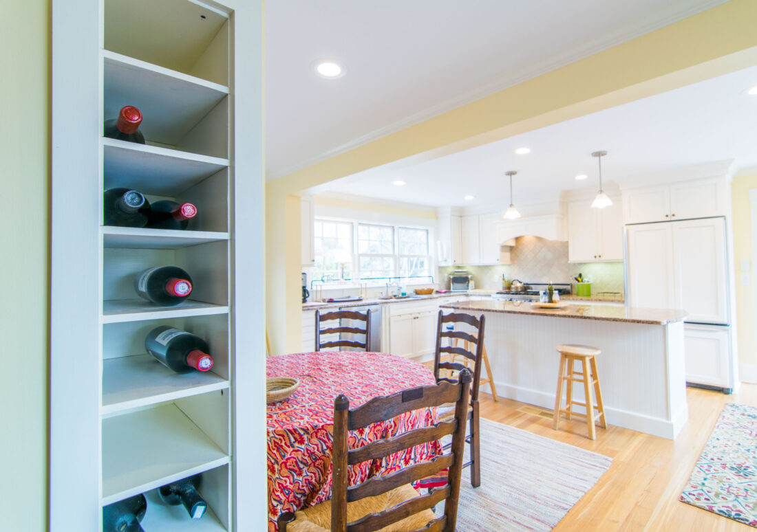 traditional-kitchen-wine-rack