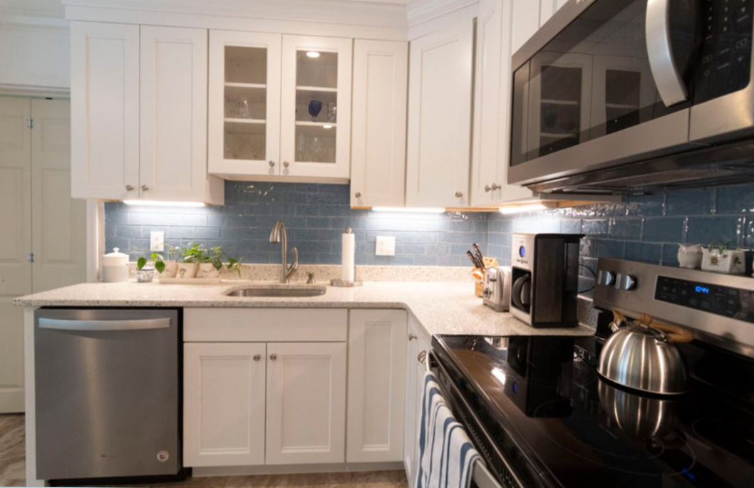 transitional-kitchen-remodel-company-sandwich